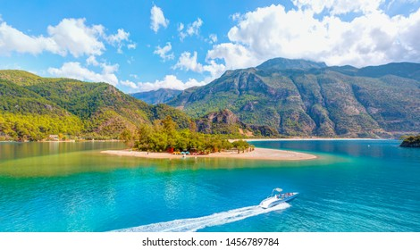 Oludeniz Beach And Blue Lagoon, Oludeniz beach is best beaches in Turkey - Fethiye, Turkey