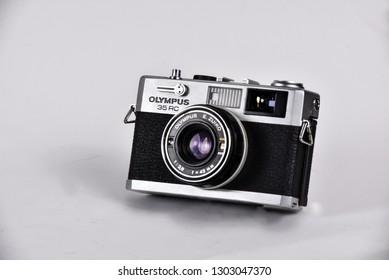 olympus film camera rf
