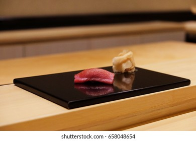 omakase-style sushi of akami, or tuna in Japanese, which offered in the very traditional way of eating sushi and sashimi but very popular for business or fine-dining Japanese meal.