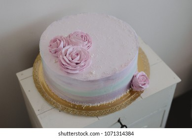 Ombre cake with roses