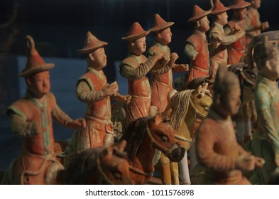 On January 20, 2018, xian, China history museum exhibition of the Ming dynasty tomb group of coloured drawing or pattern, looks very lifelike, attracting tourists to watch.