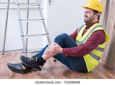 On the job injury of one worker fallen from a ladder