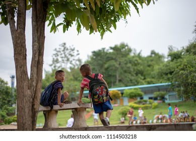 On June 17, 2018, Karen students of Banbongtilang School waited for kindly people treat them to lunch. This school was located on Bong Ti , Sai Yok ,Kanchanburi, Thailand, western border to Myanmar.