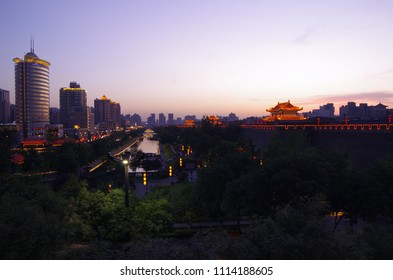On June 5, 2018, xi 'an city wall and city scenery. This is a famous tourist city.