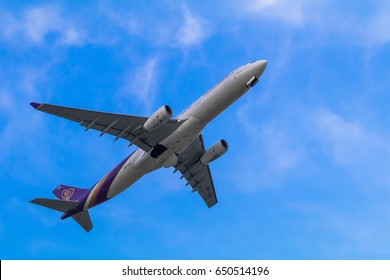 On May 7, 2017, aircraft Thai Airways commercial was flying from Suvarnabhumi Airport in Thailand