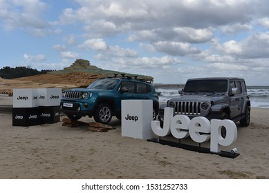 On October 12, 2019, a four-wheel drive car jeep wrangler and a Renegade are displayed on the beach of Juk-do, Yangyang-gun, Gangwon-do.