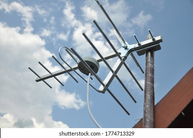 On the roof of the private cable is installed in the television antenna for the best signal.