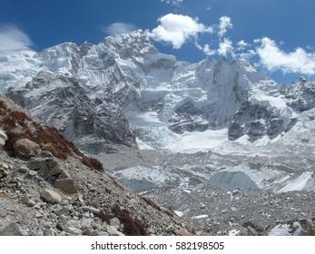 on the way to Everest Base Camp - Gorak Shep. View of Nuptse, Lhotse, Mount Everest and Khumbu glacier in Himalaya - Sagarmatha National Park, Khumbu region, Nepal