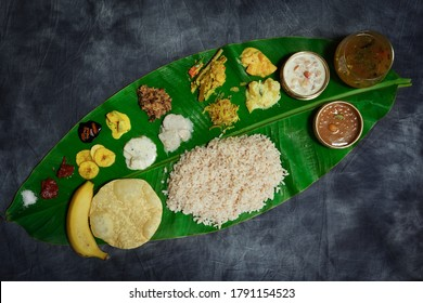 Fête de l'onam / Kerala Ona-sadya servie à la feuille de bananier