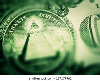 One dollar detail pyramid. Tilt-shift lens use.
