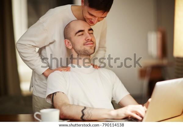 Free Gay Male Massage