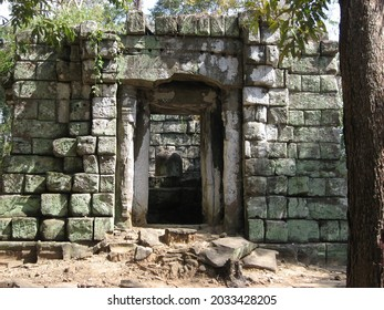 One of the Koh Ker archaeological site, Cambodia. - Shutterstock ID 2033428205