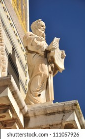 One of the saint statues on the all nation church. Jerusalem.