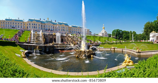 One of St. Petersburg's most famous and popular visitor attractions, the palace and park at Peterhof (also known as Petrodvorets)