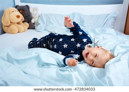 One Year Old Baby Pyjamas Lying Stockfoto Jetzt Bearbeiten