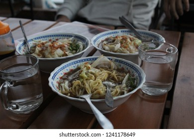 ongklok noodle, wonosobo's unique cuisine to stay warm in  the cold weather, it can get as low as 9 degrees celcius