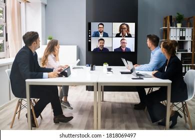 Online-Video-Konferenz Social Distance Webinar Business Meeting