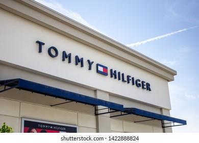 e0847057 Ontario, California/United States - 05/03/2019: A store front