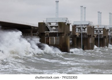 Oosterscheldekering storm surge barrier closed to protect Sealand against high tide