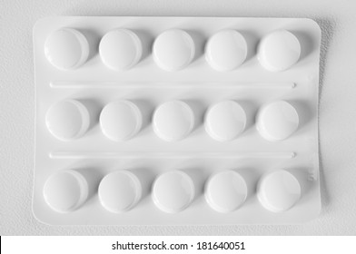 opaque blister pack (white)