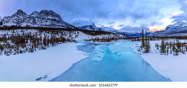 Opaque turquoise waters of Mistaya river at Saskatchewan river Crossing along Icefields Parkway, Alberta