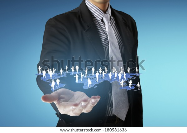 Open palm hand social network structure