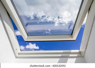 open roof window, Skylight