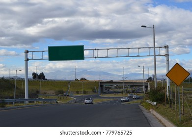 open view of a highway street traffic sign