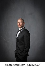 opera singer with tuxedo clothes, dark background