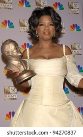 OPRAH WINFREY at the 2002 Emmy Awards in Los Angeles. 22SEP2002.  Paul Smith / Featureflash