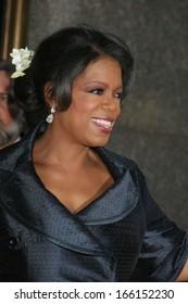 Oprah Winfrey at American Theatre Wing's 60th Annual Tony Awards - ARRIVALS, Radio City Music Hall, New York, NY, June 11, 2006