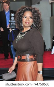 """Oprah Winfrey at the Los Angeles premiere of her new movie """"The Great Debaters"""" at the Cinerama Dome, Hollywood. December 11, 2007  Los Angeles, CA Picture: Paul Smith / Featureflash"""