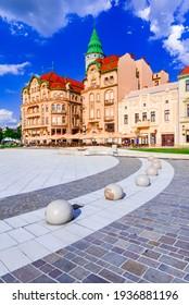 Oradea, Crisana. Union Square in West-Siebenbürgen, Rumänien. Sommersonnenlichtweg.