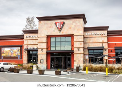 Orange, California/United States - 02/27/19: A store front sign and building for the pizza restaurant known as BJ's Restaurant and Brewhouse