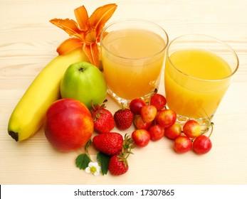 Orange juice and fresh fruit