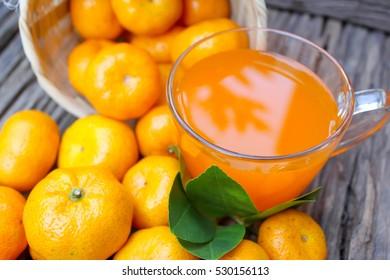Orange juice, fresh fruit