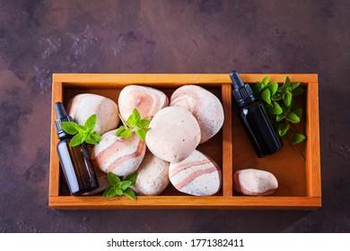 origan, huile essentielle et feuilles fraîches - traitement de beauté