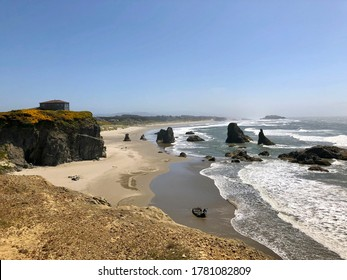 The Oregon coast, coastline, the ocean with rocks and the shoreline