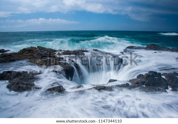 Oregon's Thor's Well