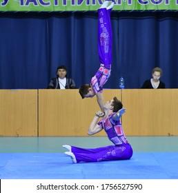 Orenburg, Russia, 26-27 May 2017 years: boys compete in sports acrobatics at the Open Championship Orenburga in sports acrobatics