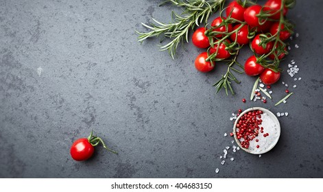 Organic cherry tomatoes with rosemary, sea salt and pink pepper