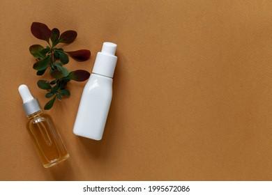 Ökologische Kosmetika mit pflanzlichen Inhaltsstoffen: ätherisches Öl, Lotion