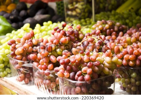 organic grapes on display at the sf farmer's market.