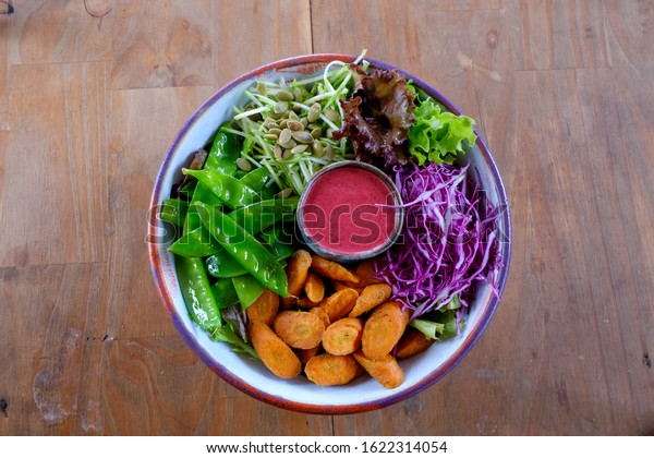 Organic Green Salads from the Farm