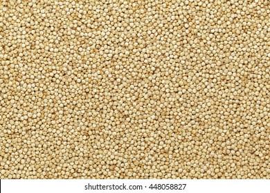 Organische Quinoa (Chenopodium quinoa) Samen Makro, Nahaufnahme der Hintergrundtextur. Draufsicht.
