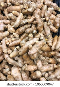 Organic tumeric roots at farmers market