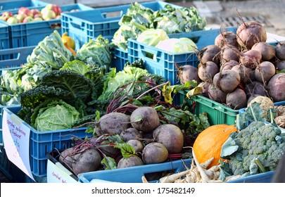 Organic Vetetables at the farmers market - Shutterstock ID 175482149