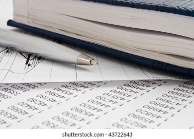 organizer with pen