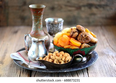 Oriental sweets raisins, dried apricots, figs and cashew nuts.