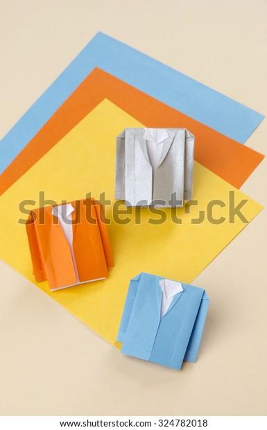 Yellow Jacket – İstanbul Origami   620x385